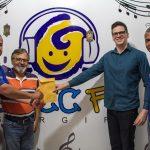 Alunos do Projeto Miniempresas do Senac fazem doação ao GACC