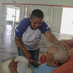 Senac Sergipe qualifica novos cuidadores de idosos