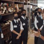 Alunos do Senac Bistrô Cacique Chá recebem treinamento sobre vinhos
